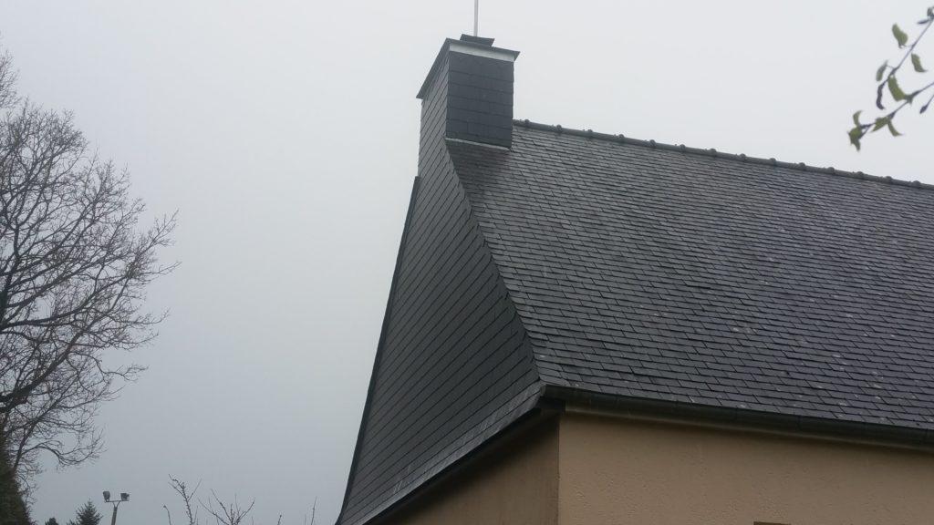 Entretien de toiture par CKM Couverture dans le 35
