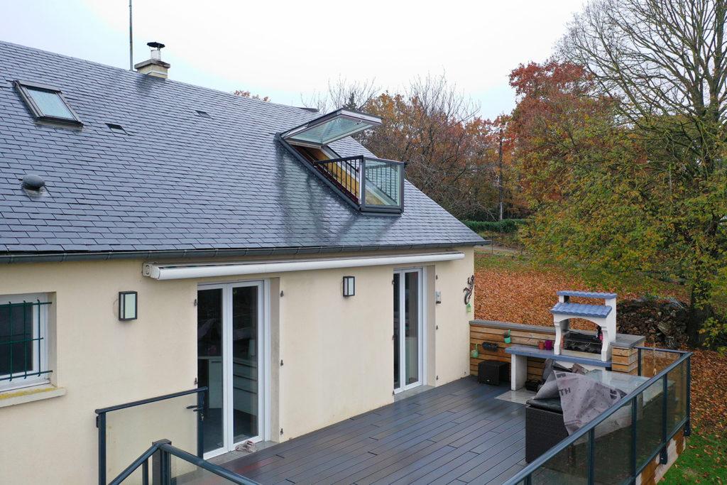 Création d'un vélux balcon par CKM Couverture entre Marcillé Robert et Brielles