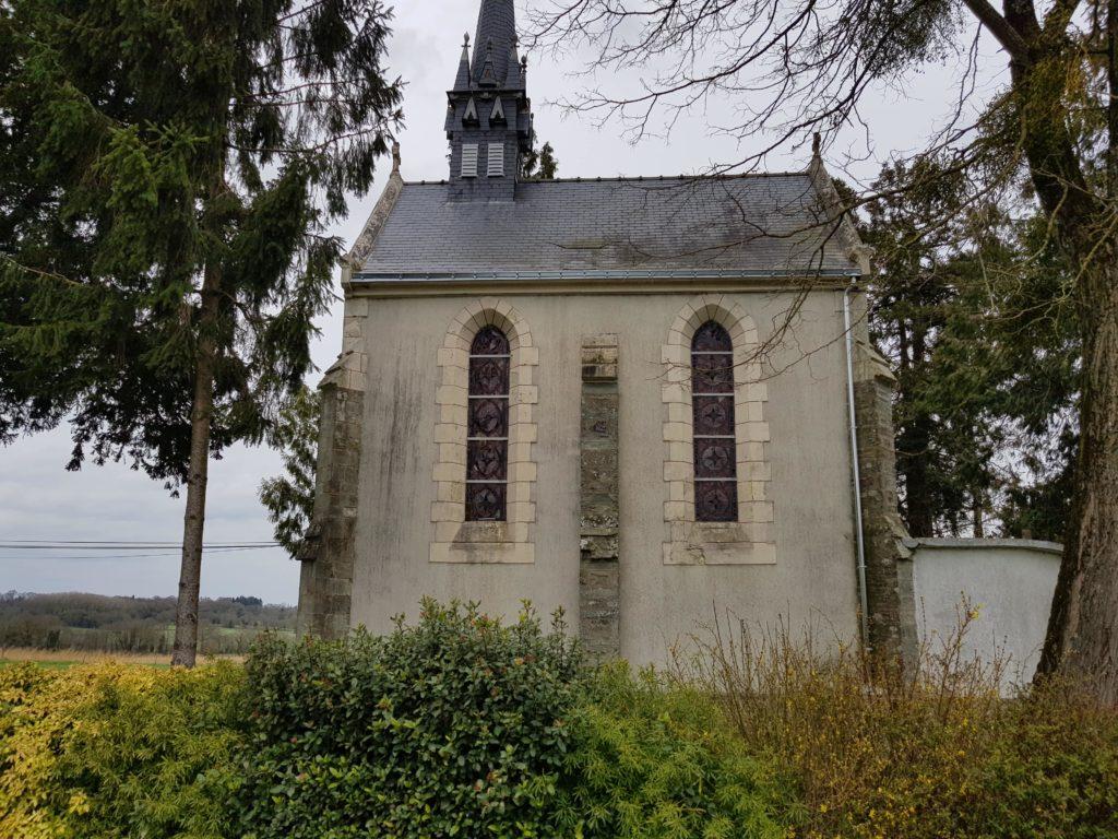 Rénovation du toit d'une chapelle par CKM Couverture dans le 35